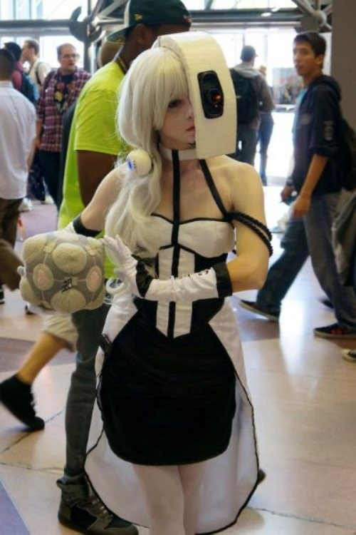 Portal Glados Cosplay with the companion cube