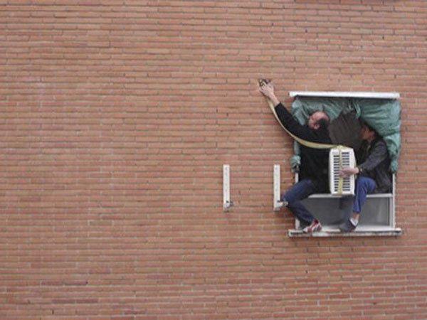 Pendurado instaladores de ar condicionado