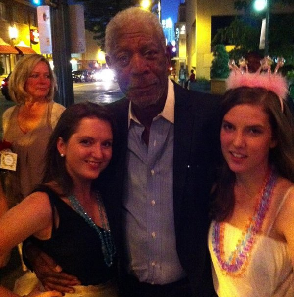 These girls thought they met the real Morgan Freeman - they were mistaken.