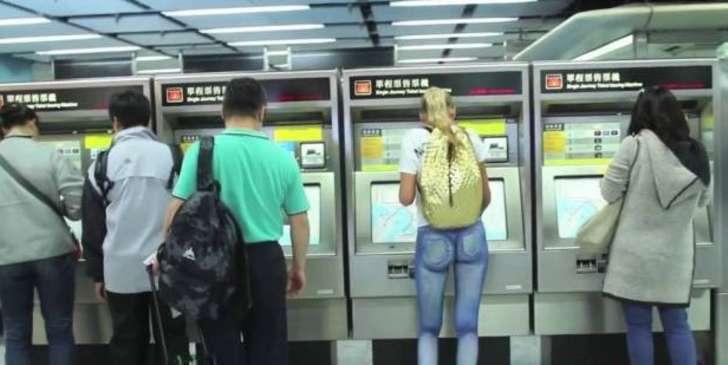 Sandra Bakkers model walks around Hong Kong NAKED from